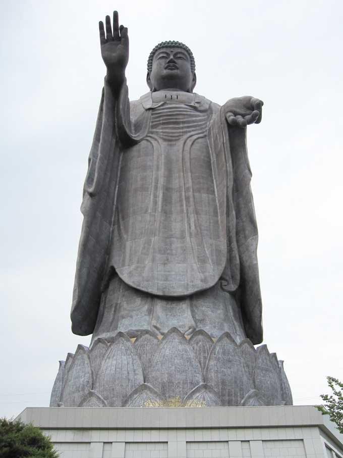 ギネスにも認定された!茨城観光で外せない巨大すぎる大仏「牛久大仏」