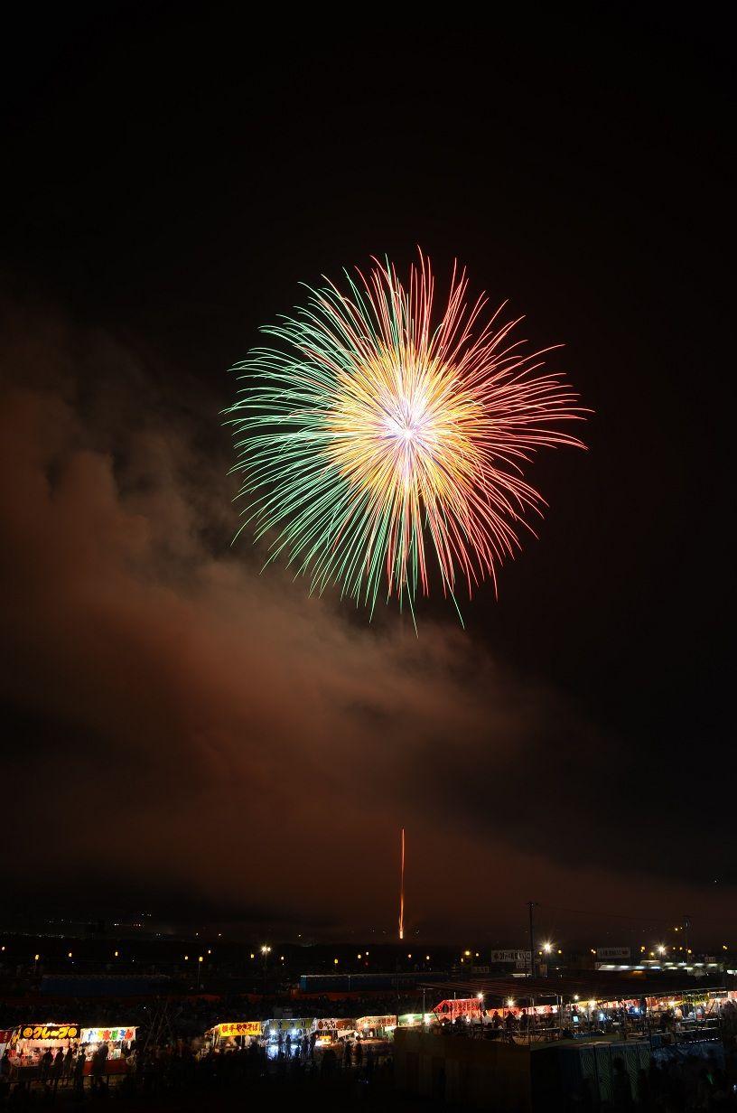 秋田の夏の風物詩!熟練技が光る「秋田竿燈まつり」と大仙市・大曲の花火