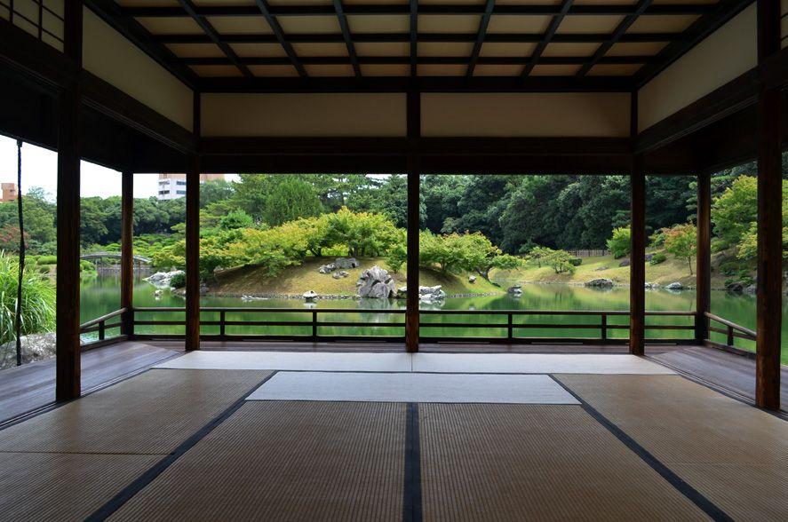 お殿さま気分で舟遊び!ミシュラン三つ星の香川・栗林公園