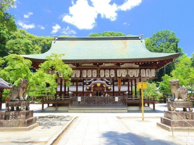 「今宮神社」は桂昌院(お玉)のゆかりの社。彼女の強運を分けてもらおう!