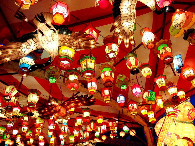 極彩色の光の饗宴「長崎ランタンフェスティバル」