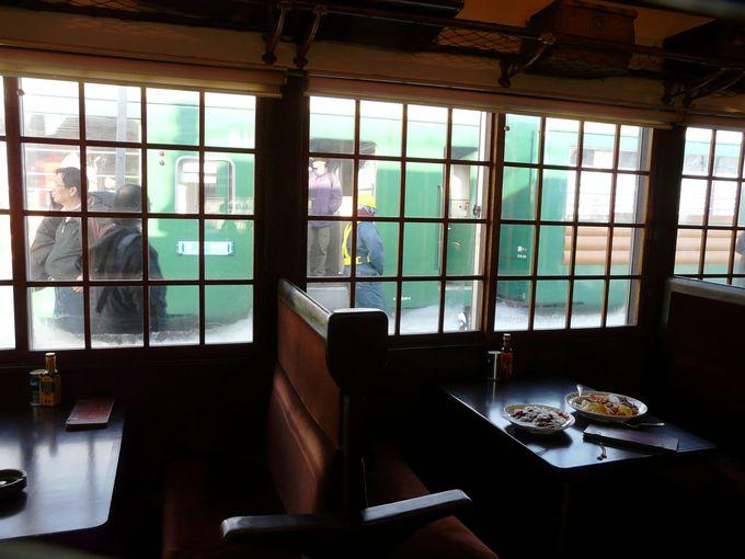 駅舎の一角にある「軽食&喫茶 停車場」