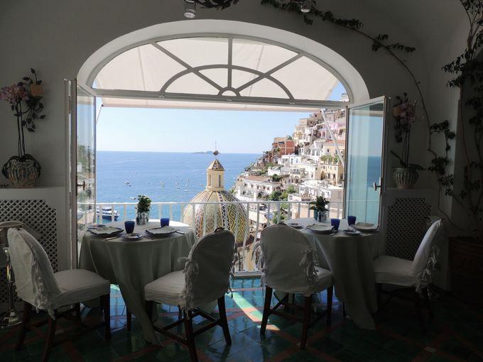 クーポラを間近に見下ろすレストランの特等席