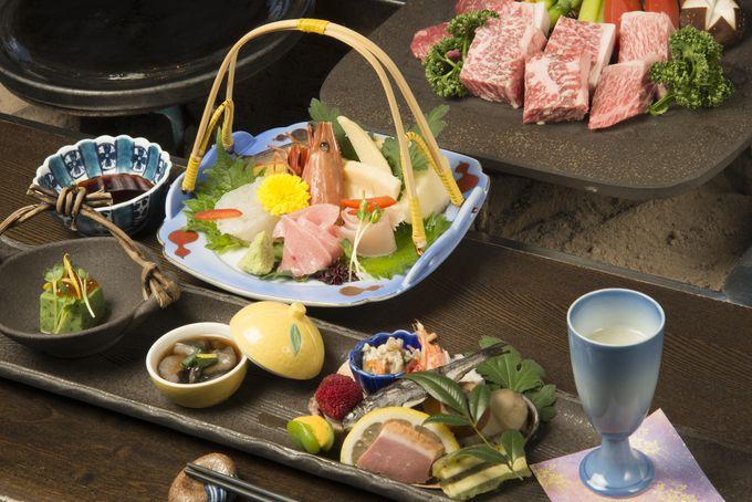 囲炉裏端で味わう飛騨牛や富山の鮮魚といった山海の美味