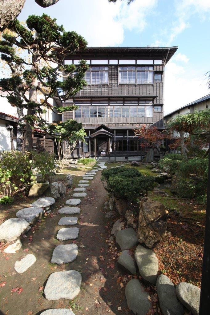 珍しい3階建て木造建築の「旧石田理吉家」