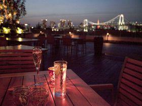 東京ウォーターフロント、夜景&泡ものドリンクで潤う店3選