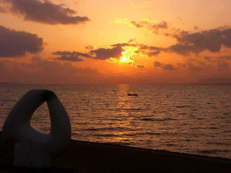 宍道湖の夕陽は、神々しい程の美しさ。