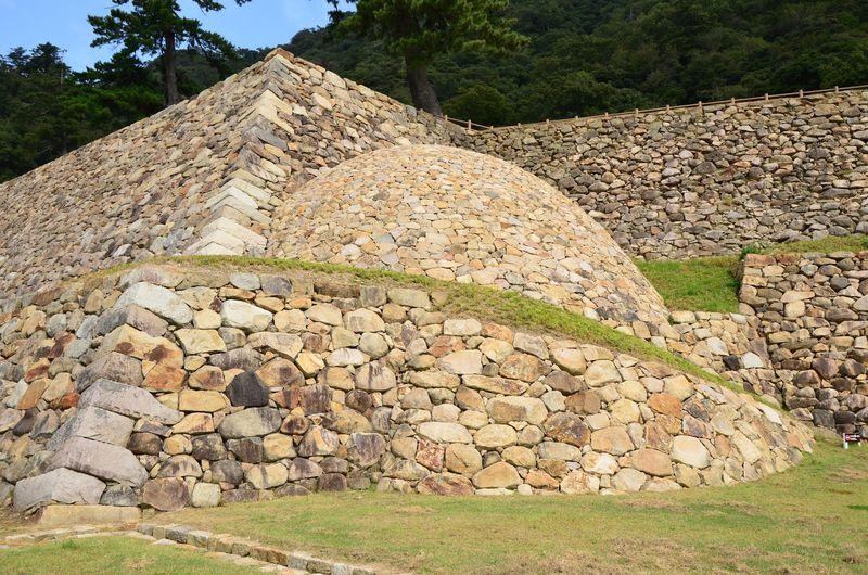 まぁるい石垣!?国内唯一の球面石垣と眺望絶佳の鳥取城