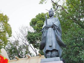 真田紐が結ぶ縁!秀頼像が建つ大阪城鎮守神「玉造稲荷神社」