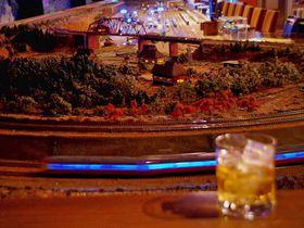 鉄道ジオラマと居酒屋が合体!京都祇園「デゴイチ」は魅惑のワンダーランド|京都府|トラベルjp<たびねす>