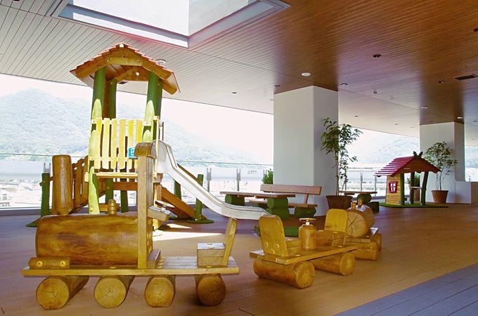 小さな子どもも楽しめる高梁市図書館