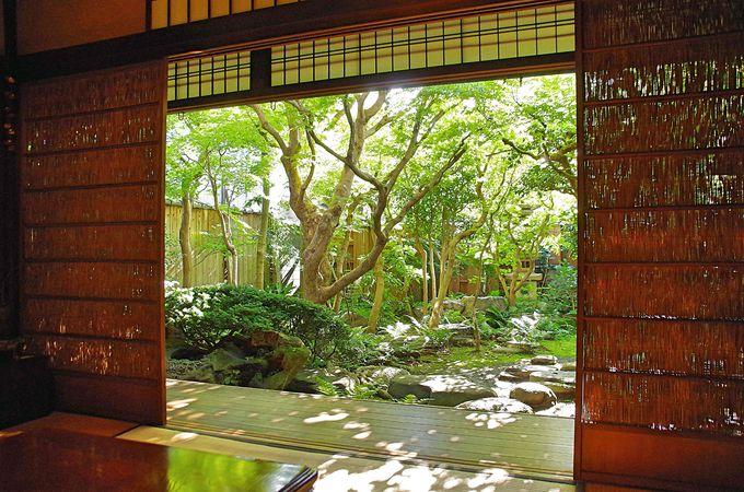 京町家ならではの中庭、縁側でのんびり過ごす