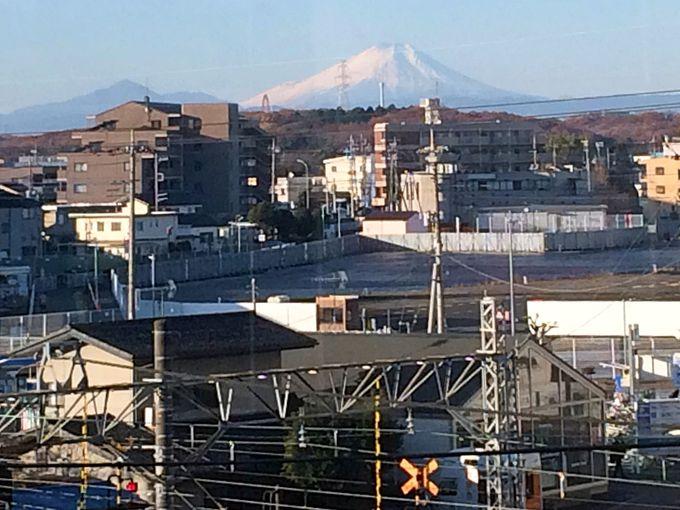 富士山を拝める鉄道ビューラウンジ