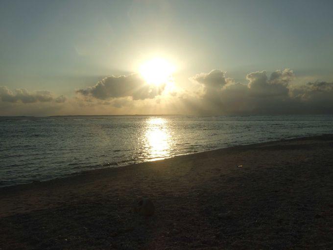 お魚ウォッチングや夕日もオススメな仲本海岸