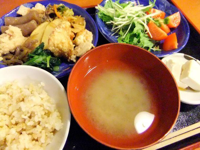 栄養満点のおばんざい・ご飯・お味噌汁!