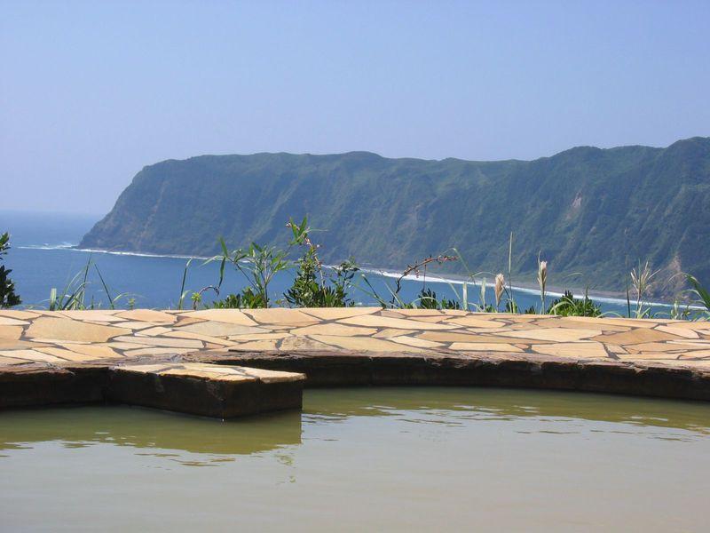 東京都にある絶景温泉!八丈島で大自然の中の温泉に癒されよう♪