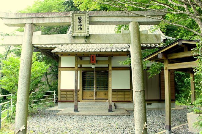 まずは若宮神社で参拝!