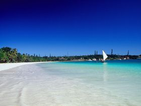 美しいクトビーチが目の前!イル・デ・パン島ホテルクブニー