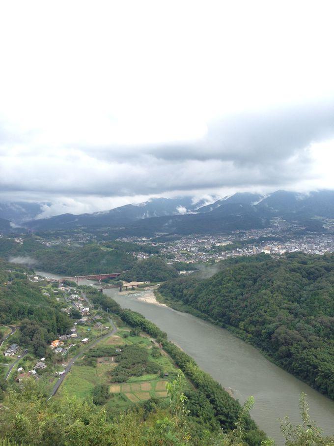 天守から抜群の眺望!木曽川や恵那山、中津川市街が一望!