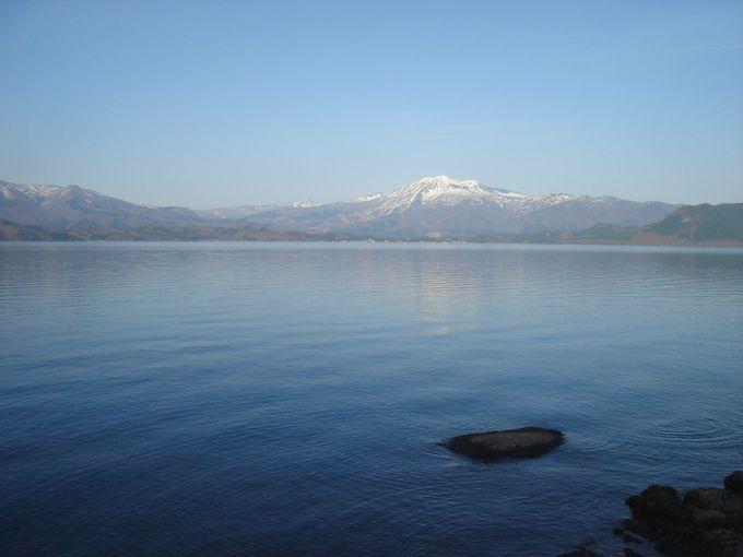 辰子姫のように美しい田沢湖