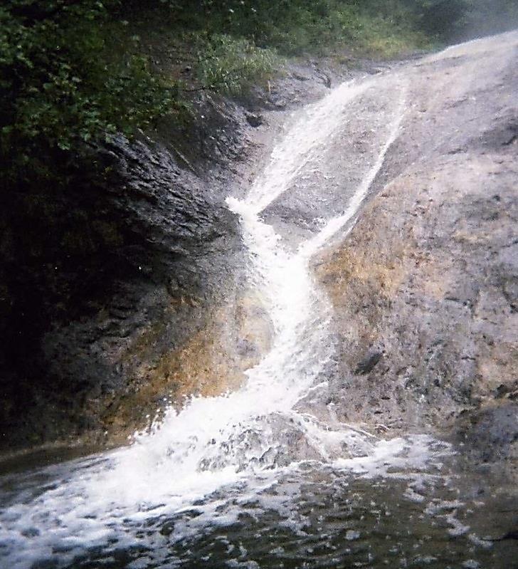 野趣溢れた一の滝