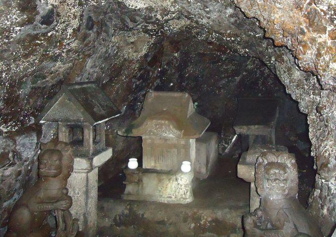 岩屋は江島神社発祥の地
