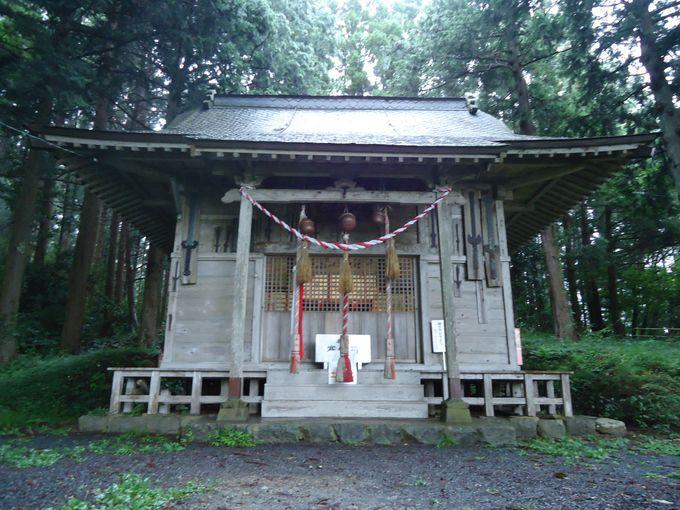 本殿の鉾と天児屋根命