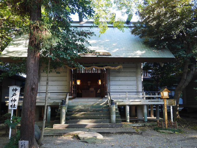 神明神社と八坂神社を祀る神戸神社