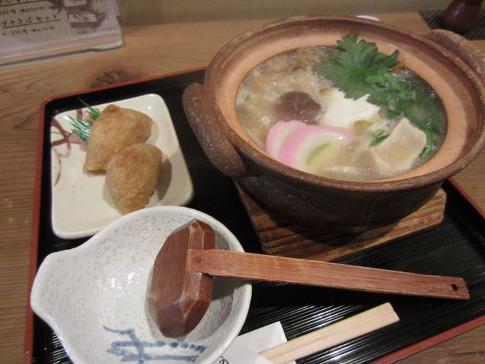 伏見稲荷大社のランチは可乃古(かのこ)で鍋焼きうどんといなり寿司!