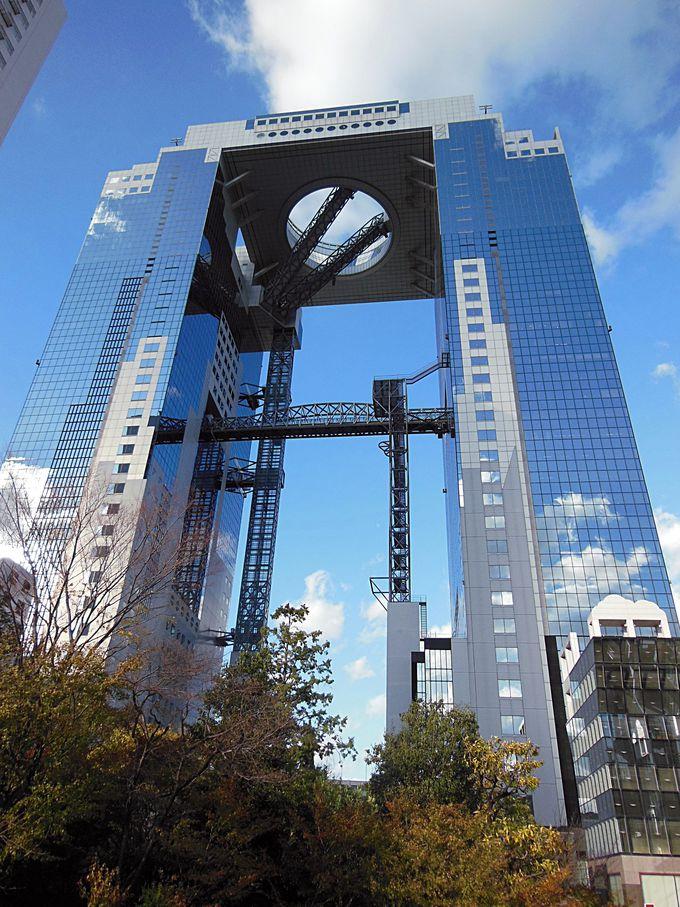 世界の建築トップ20にランクイン「梅田スカイビル」