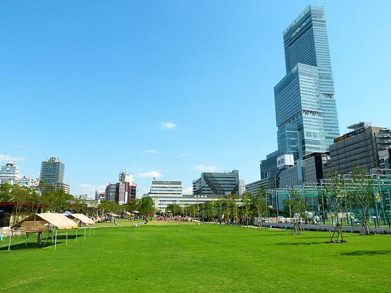 大阪・天王寺「てんしば」!都会のド真ん中で青空と芝生を満喫