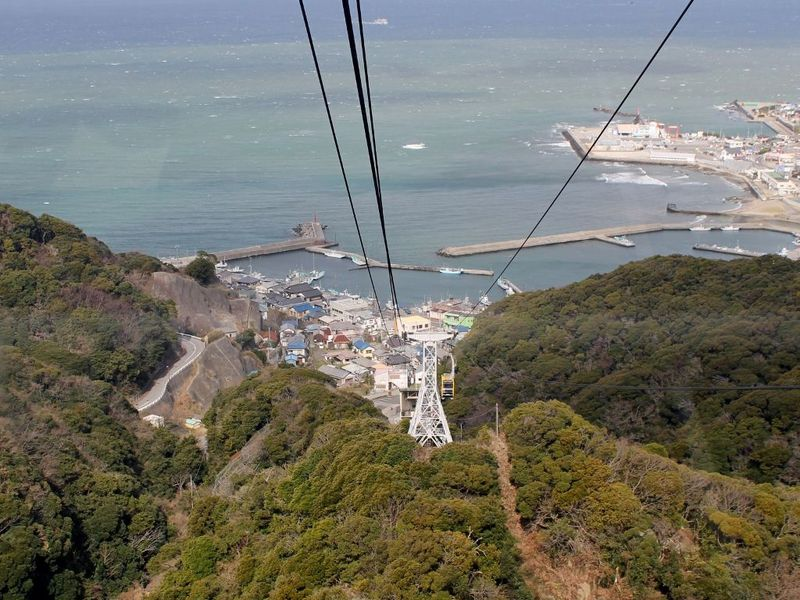 圧巻の連続!ロープウェーで登る千葉『鋸山日本寺』
