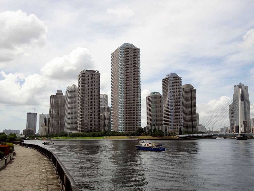 超高層ビル群が立ち並ぶ素晴らしい島の景観!