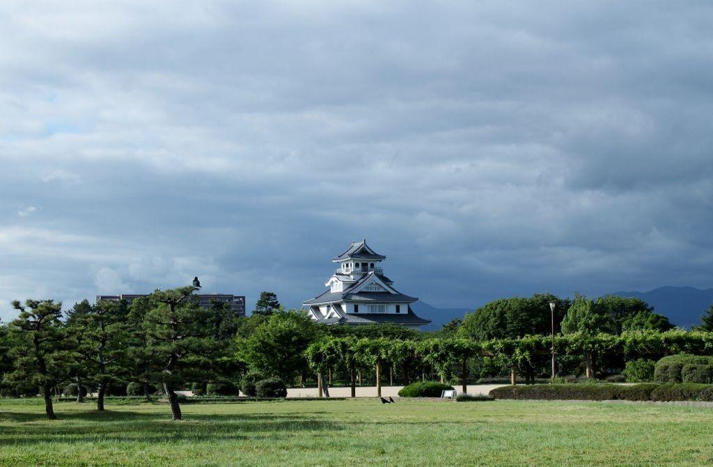 琵琶湖の景色を楽しめる「豊公園」