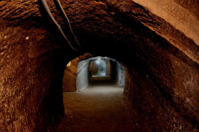 まさに異次元の世界「館山海軍航空隊赤山地下壕跡」