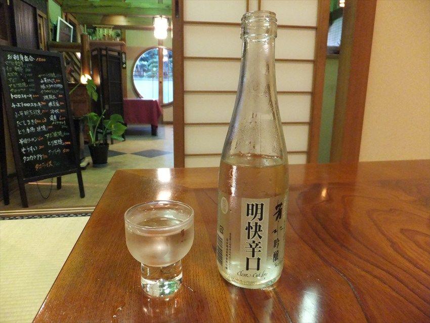 夜も魅力の徳島県脇町「うだつの町並み」歴史ある蔵の店で地酒を堪能