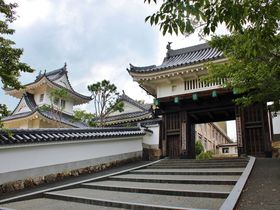 クールな校門!マリオの山?京都「園部城」は日本最後の城