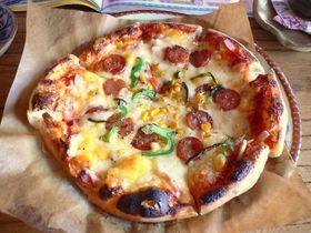 ウチナーンチュに聞きました。沖縄で一番美味しいピザと言えば?→「ピザ喫茶・花人逢(かじんほう)」