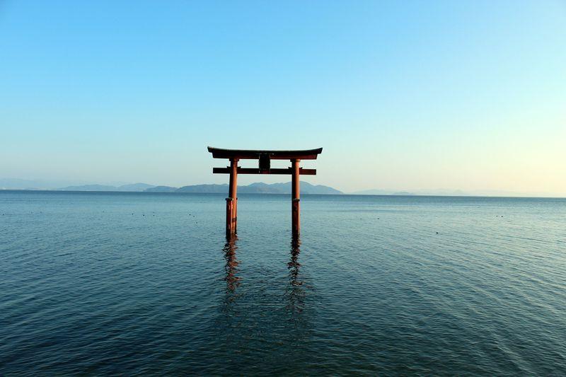 ここは厳島神社!?湖上の大鳥居