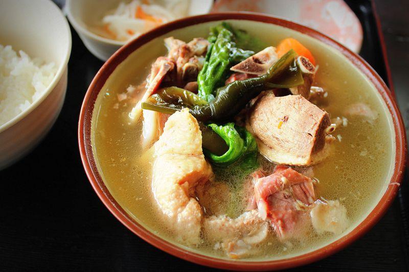 名物はあひる汁!お腹もメニューもいっぱい!まんぷく食堂〜沖縄