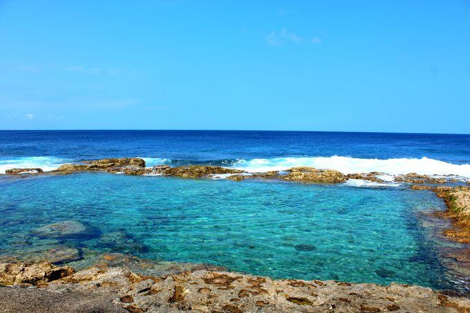 太平洋と一体化している「海軍棒プール」