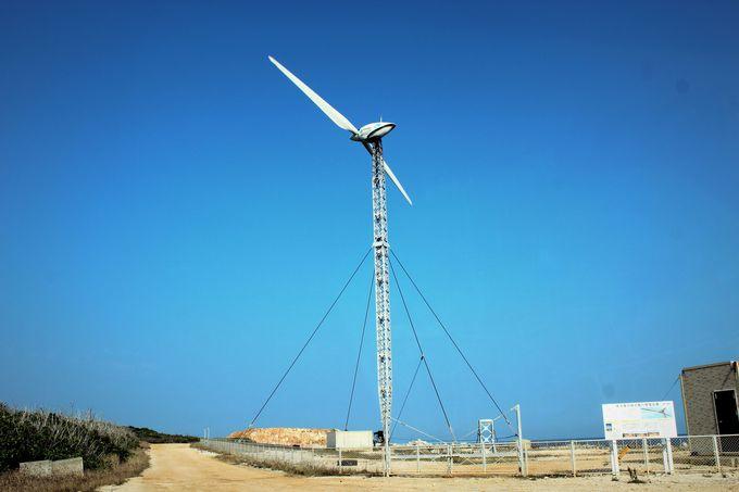 台風は寝てやり過ごす、可倒式風力発電設備