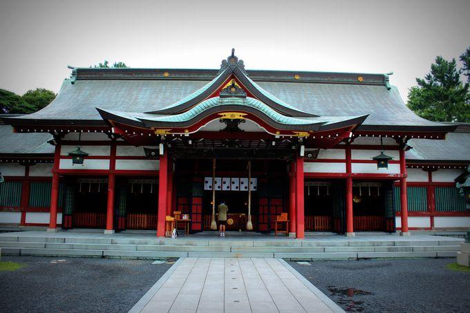 格式高い、歴史ある神社。