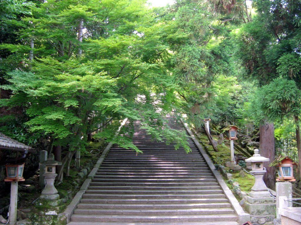 嵯峨嵐山駅から徒歩20分:法輪寺