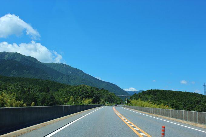 琵琶湖の西側を走るバイパス