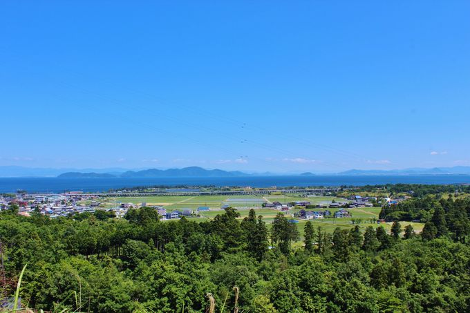 琵琶湖大橋以北は絶景が続くドライブルート