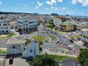 ラウンドアバウトって何だ!?沖縄「糸満ロータリー」は観光名所な交差点?|沖縄県|トラベルjp<たびねす>