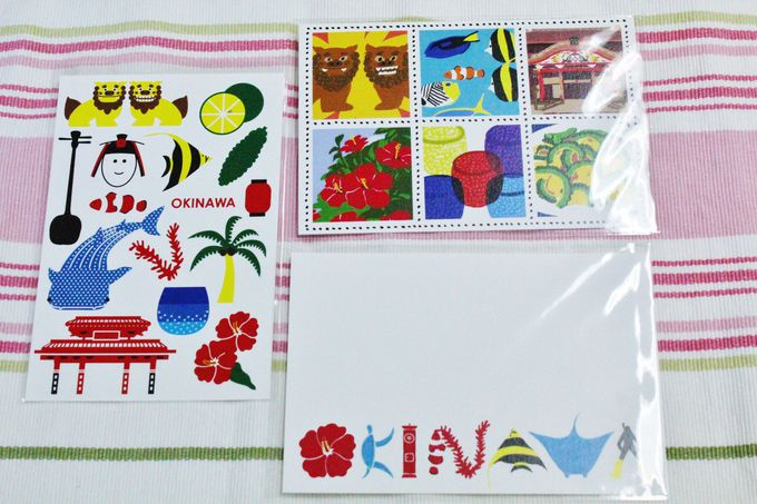 沖縄限定ポストカードも多種多様
