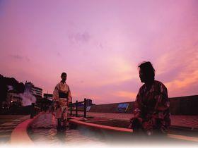 日本一長い足湯!長崎・小浜温泉「ほっとふっと105」の楽しみ方|長崎県|トラベルjp<たびねす>