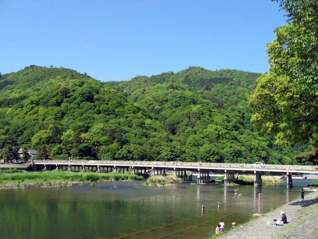 嵐山渡月橋すぐ!足湯併設の和cafe
